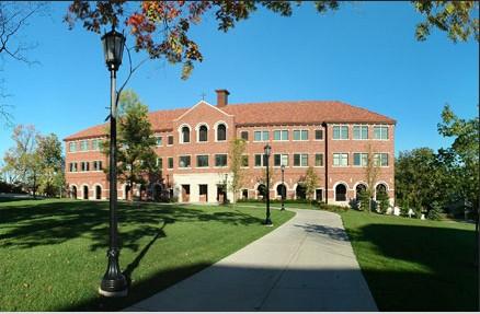 校园风景            美国威斯康星路德学院校园一角 相关阅读